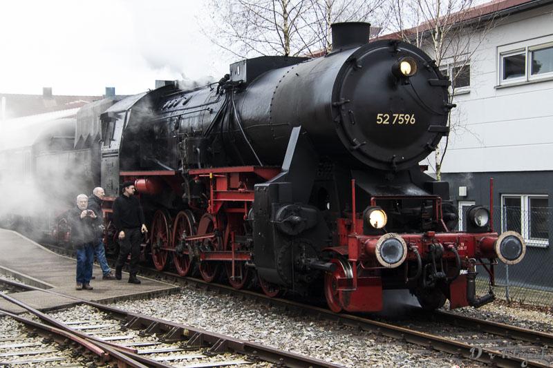 52 7596 im Bahnhof Welzheim