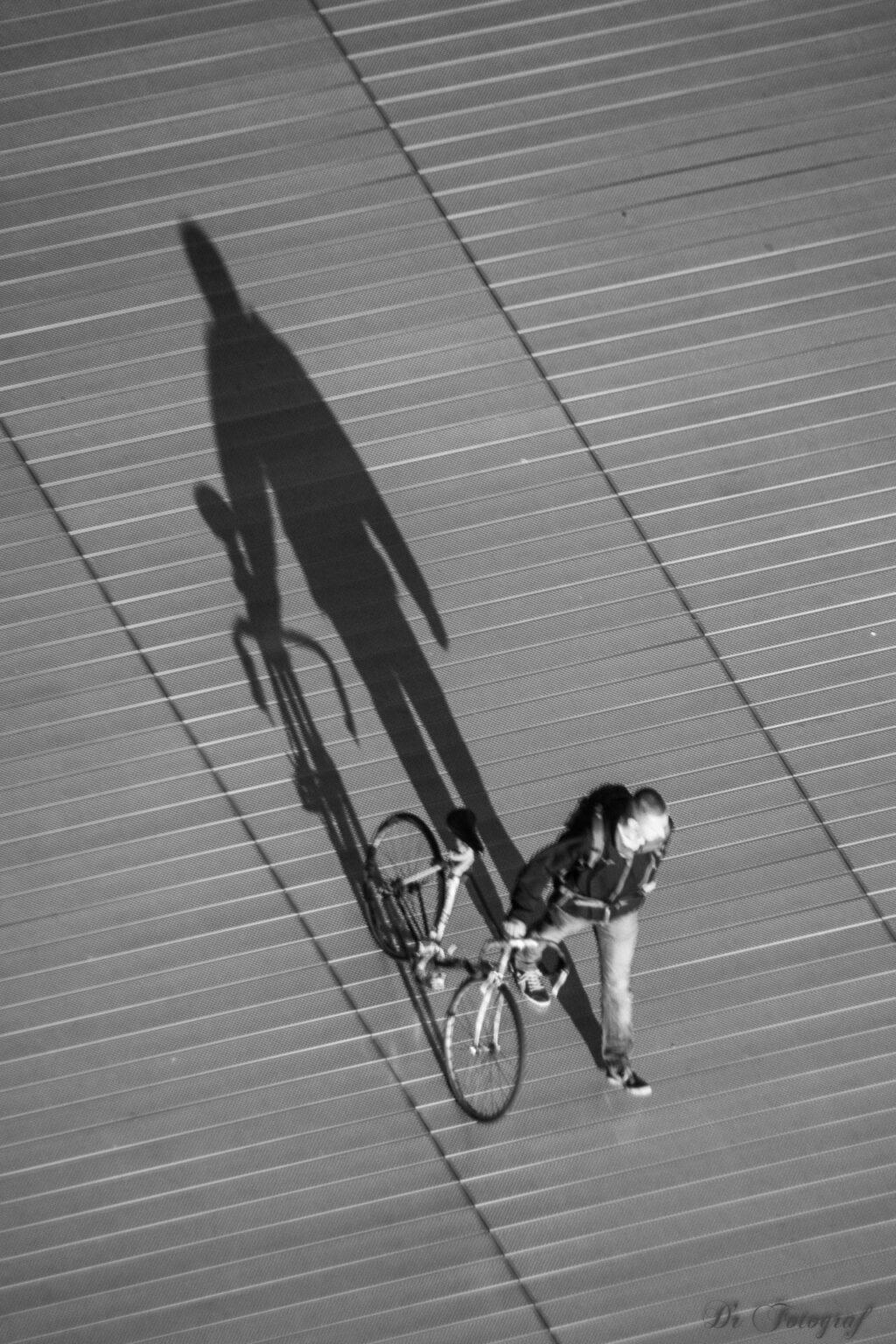 Der Schatten des Radfahrers
